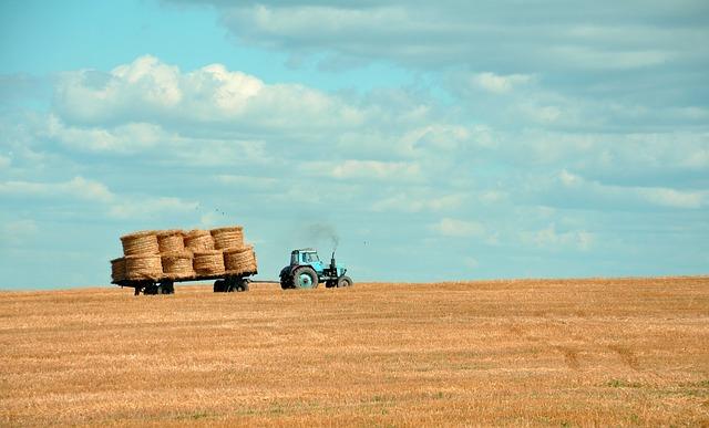 Wymieniamy szybę w traktorze